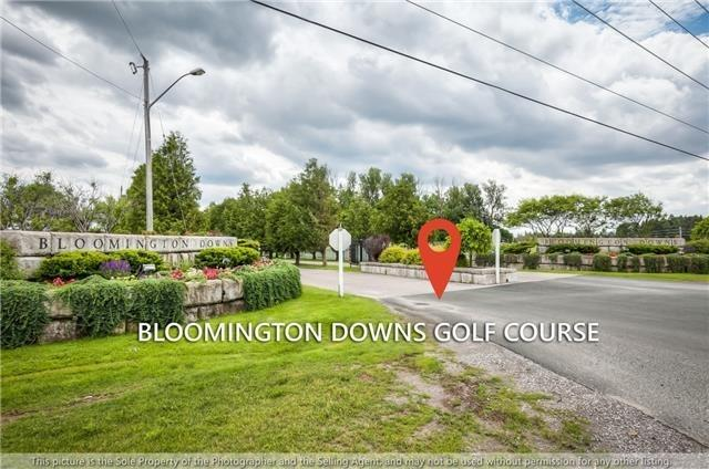 Detached at 19 Strawbridge Farm Dr, Aurora, Ontario. Image 8