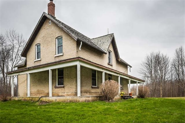 Detached at B40508 Centre Rd, Brock, Ontario. Image 16