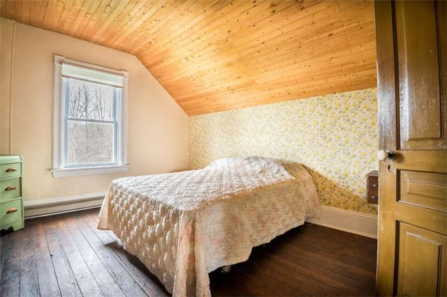 Detached at B40508 Centre Rd, Brock, Ontario. Image 11