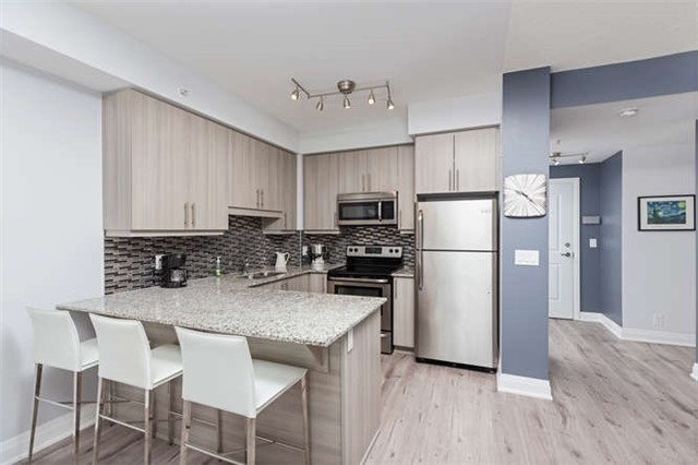 Condo With Common Elements at 24 Woodstream Blvd, Unit 814, Vaughan, Ontario. Image 17