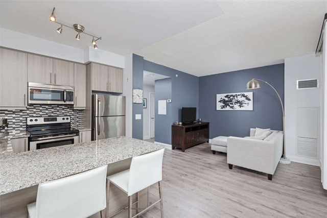 Condo With Common Elements at 24 Woodstream Blvd, Unit 814, Vaughan, Ontario. Image 18