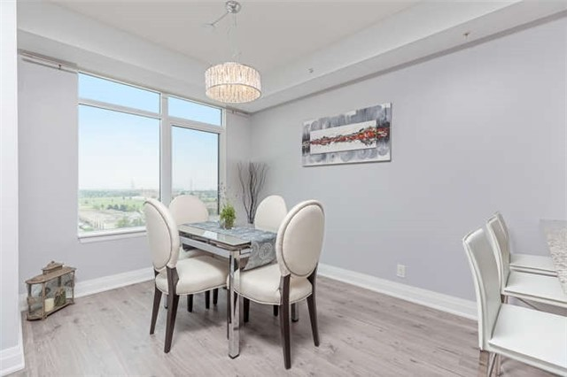 Condo With Common Elements at 24 Woodstream Blvd, Unit 814, Vaughan, Ontario. Image 4