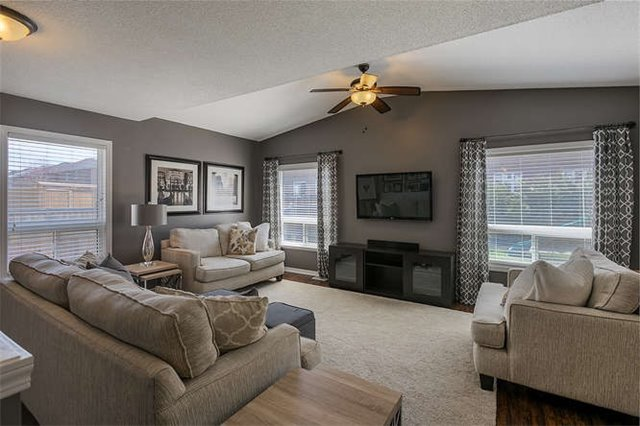 Detached at 134 Donald Stewart  Cres, East Gwillimbury, Ontario. Image 2