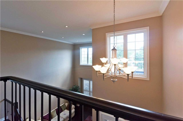 Detached at 71 Adastra Cres, Markham, Ontario. Image 2