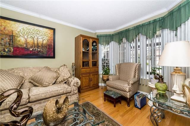Detached at 13 Roughley St, Bradford West Gwillimbury, Ontario. Image 8