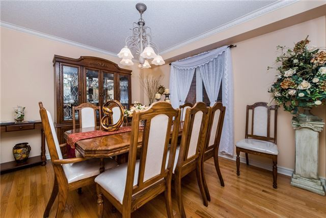 Detached at 13 Roughley St, Bradford West Gwillimbury, Ontario. Image 11