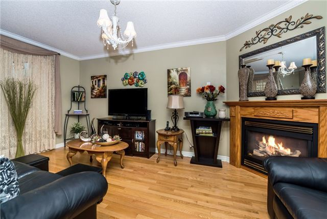 Detached at 13 Roughley St, Bradford West Gwillimbury, Ontario. Image 12