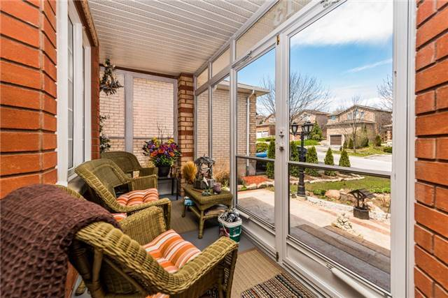 Detached at 13 Roughley St, Bradford West Gwillimbury, Ontario. Image 13