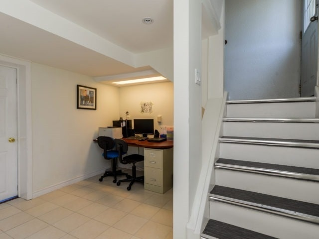 Detached at 132 Driscoll Rd, Richmond Hill, Ontario. Image 6