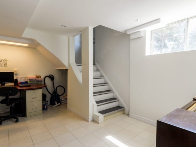 Detached at 132 Driscoll Rd, Richmond Hill, Ontario. Image 7