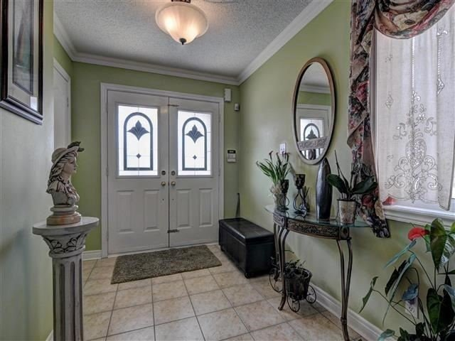 Detached at 226 Drummond Dr, Vaughan, Ontario. Image 12
