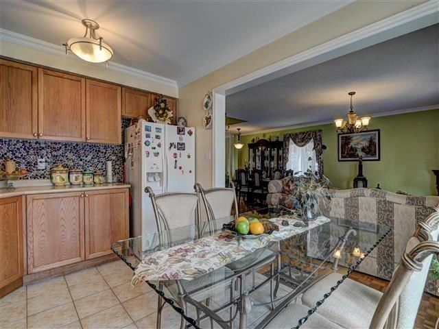Detached at 226 Drummond Dr, Vaughan, Ontario. Image 17