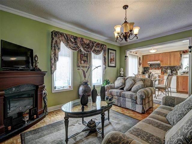 Detached at 226 Drummond Dr, Vaughan, Ontario. Image 18