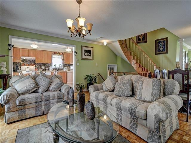 Detached at 226 Drummond Dr, Vaughan, Ontario. Image 19