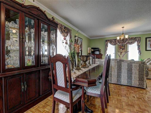 Detached at 226 Drummond Dr, Vaughan, Ontario. Image 20
