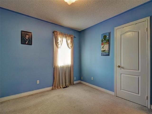 Detached at 226 Drummond Dr, Vaughan, Ontario. Image 8