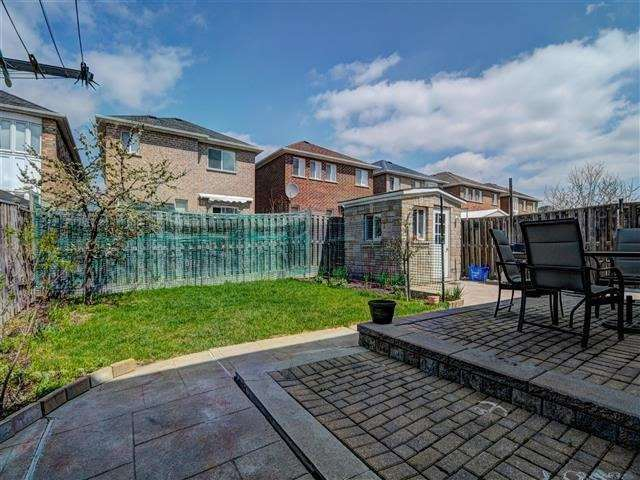 Detached at 226 Drummond Dr, Vaughan, Ontario. Image 11