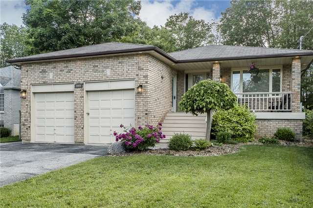 Detached at 2066 St Johns Rd, Innisfil, Ontario. Image 1