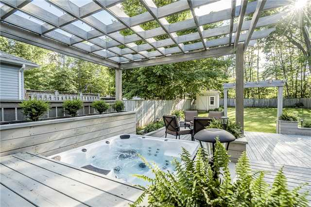 Detached at 2066 St Johns Rd, Innisfil, Ontario. Image 8