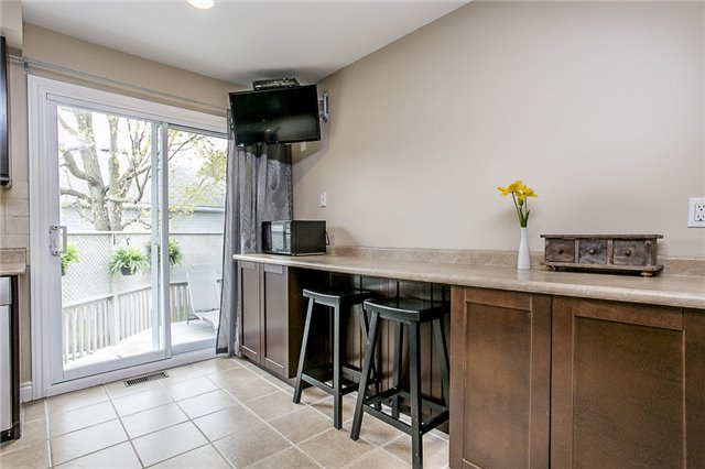 Detached at 2066 St Johns Rd, Innisfil, Ontario. Image 11