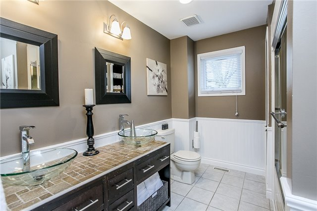 Detached at 2066 St Johns Rd, Innisfil, Ontario. Image 3