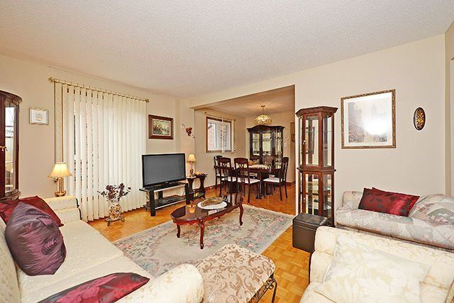 Detached at 197 Misty Meadow Dr, Vaughan, Ontario. Image 15