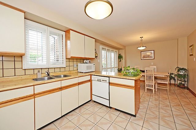 Detached at 197 Misty Meadow Dr, Vaughan, Ontario. Image 17