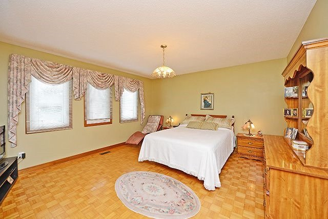 Detached at 197 Misty Meadow Dr, Vaughan, Ontario. Image 3