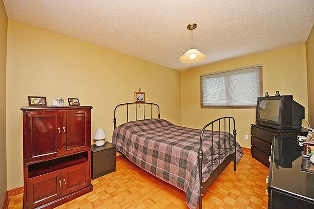 Detached at 197 Misty Meadow Dr, Vaughan, Ontario. Image 6