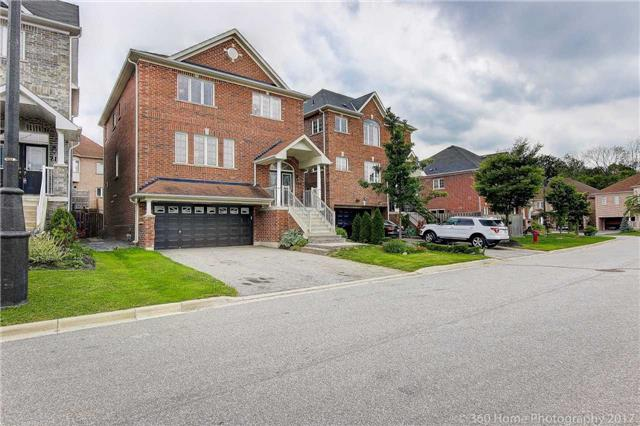 Detached at 209 Ray Snow Blvd, Newmarket, Ontario. Image 1