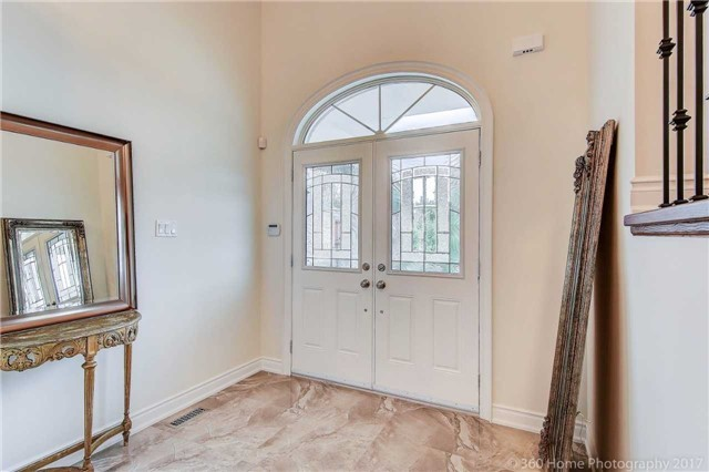 Detached at 209 Ray Snow Blvd, Newmarket, Ontario. Image 12