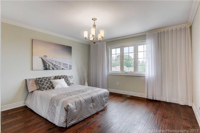 Detached at 209 Ray Snow Blvd, Newmarket, Ontario. Image 17