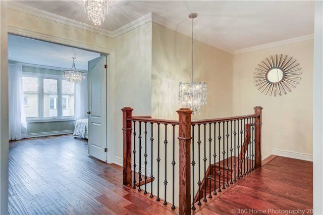 Detached at 209 Ray Snow Blvd, Newmarket, Ontario. Image 6