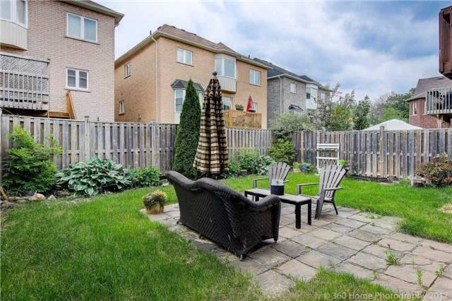 Detached at 209 Ray Snow Blvd, Newmarket, Ontario. Image 13
