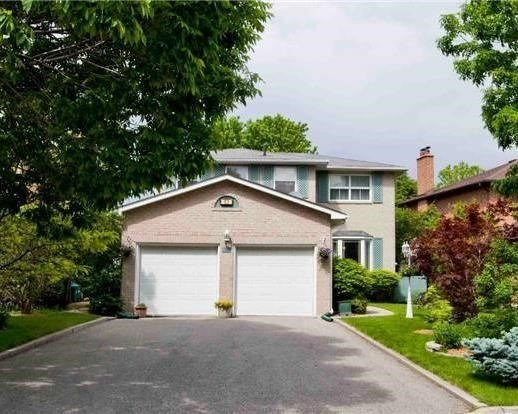 Detached at 83 Houseman Cres, Richmond Hill, Ontario. Image 1