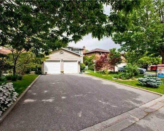 Detached at 83 Houseman Cres, Richmond Hill, Ontario. Image 12
