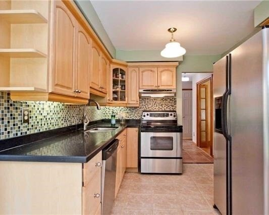 Detached at 83 Houseman Cres, Richmond Hill, Ontario. Image 17
