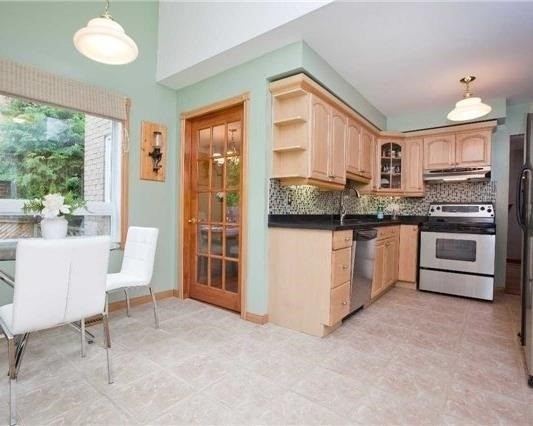 Detached at 83 Houseman Cres, Richmond Hill, Ontario. Image 18
