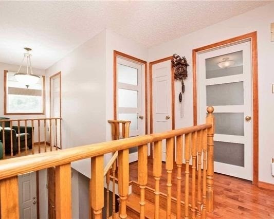 Detached at 83 Houseman Cres, Richmond Hill, Ontario. Image 2