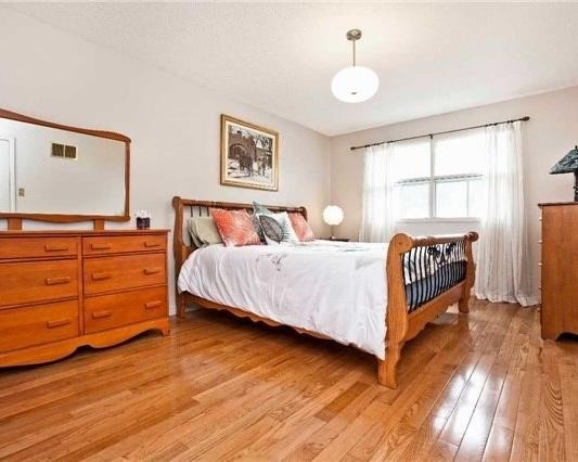 Detached at 83 Houseman Cres, Richmond Hill, Ontario. Image 3