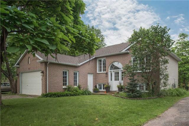 Detached at 647 Chestnut St, Innisfil, Ontario. Image 1