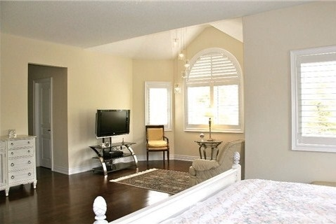 Detached at 452 Paradelle Dr, Richmond Hill, Ontario. Image 3