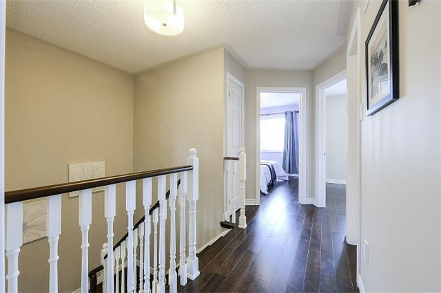 Detached at 50 Innisvale Dr, Markham, Ontario. Image 3