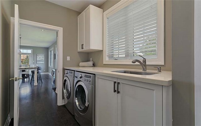 Condo Townhouse at 506 Falconwood Hollow, Aurora, Ontario. Image 8