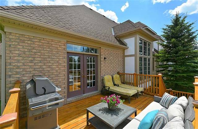 Condo Townhouse at 506 Falconwood Hollow, Aurora, Ontario. Image 11