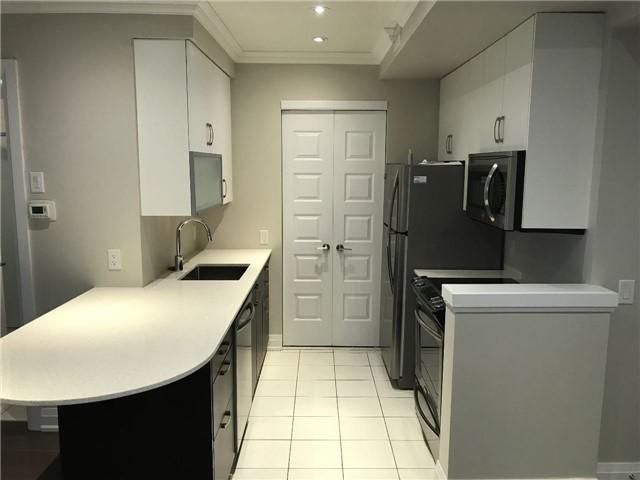 Condo Townhouse at 8169 Kipling Ave, Unit 17, Vaughan, Ontario. Image 4