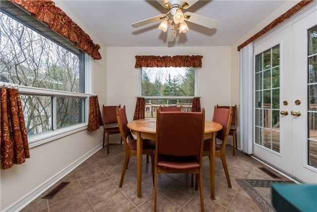 Detached at 2155 Raynor Crt, Innisfil, Ontario. Image 19