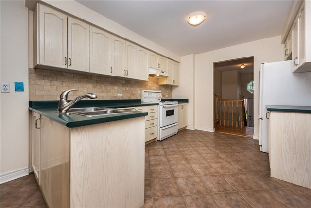 Detached at 2155 Raynor Crt, Innisfil, Ontario. Image 20