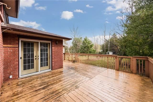 Detached at 2155 Raynor Crt, Innisfil, Ontario. Image 13