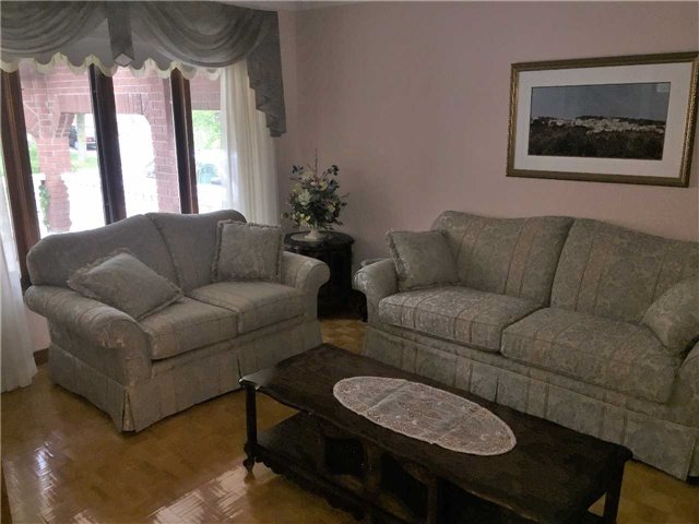 Detached at 22 Looking Glass Cres, Vaughan, Ontario. Image 15